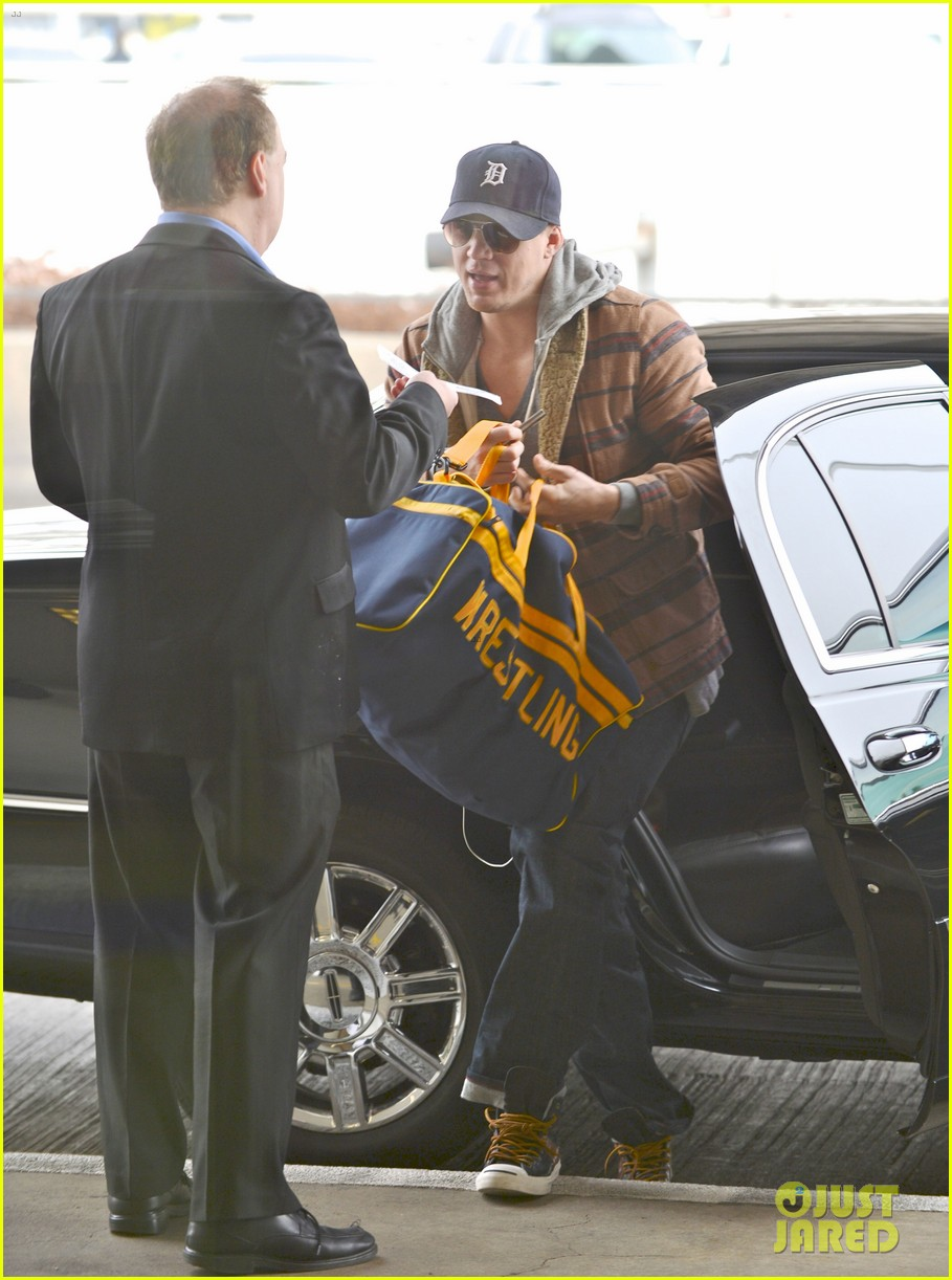 channing tatum flies out of los angeles 012764144