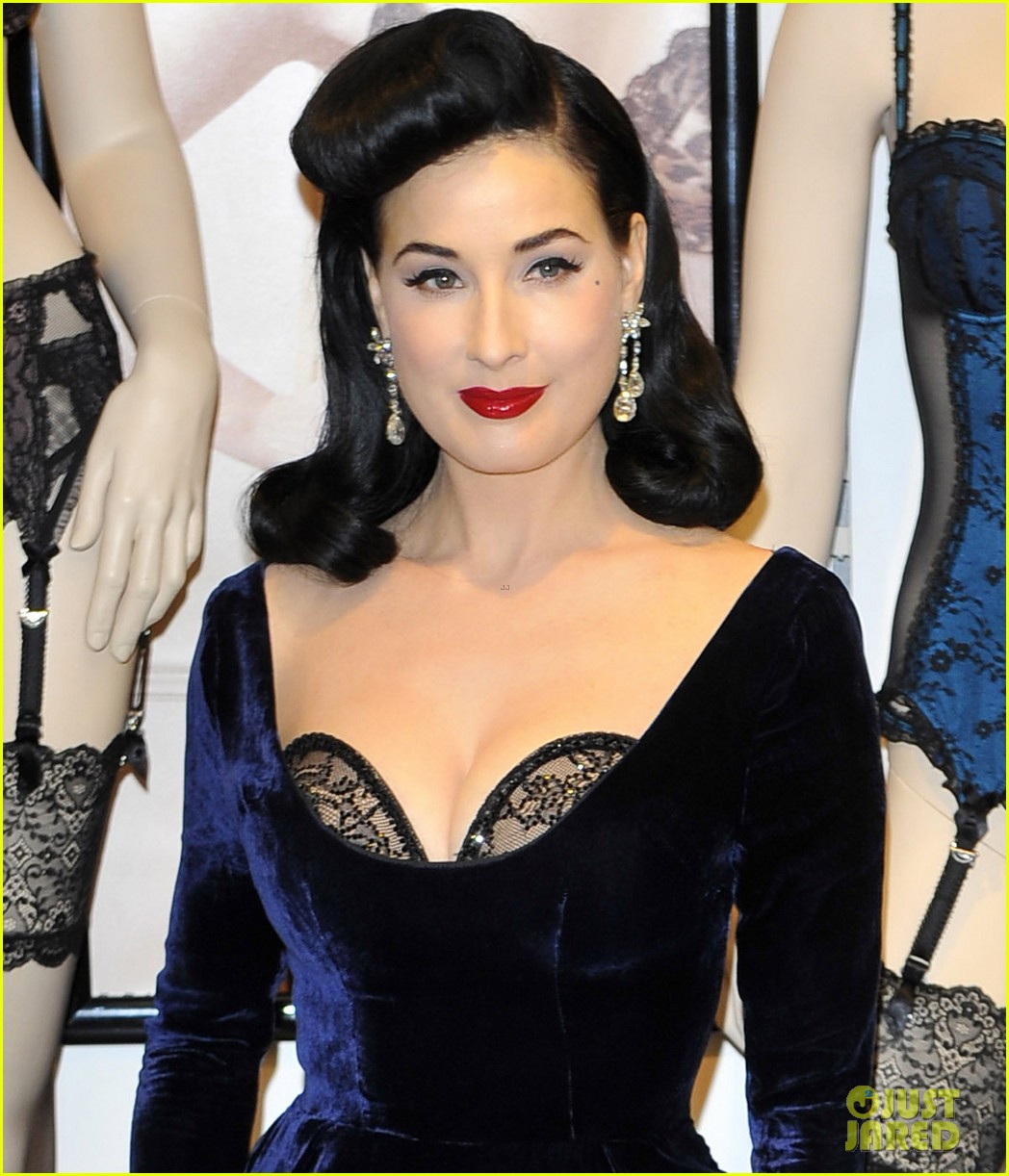 dita von teese von follies lingerie launch 102765176
