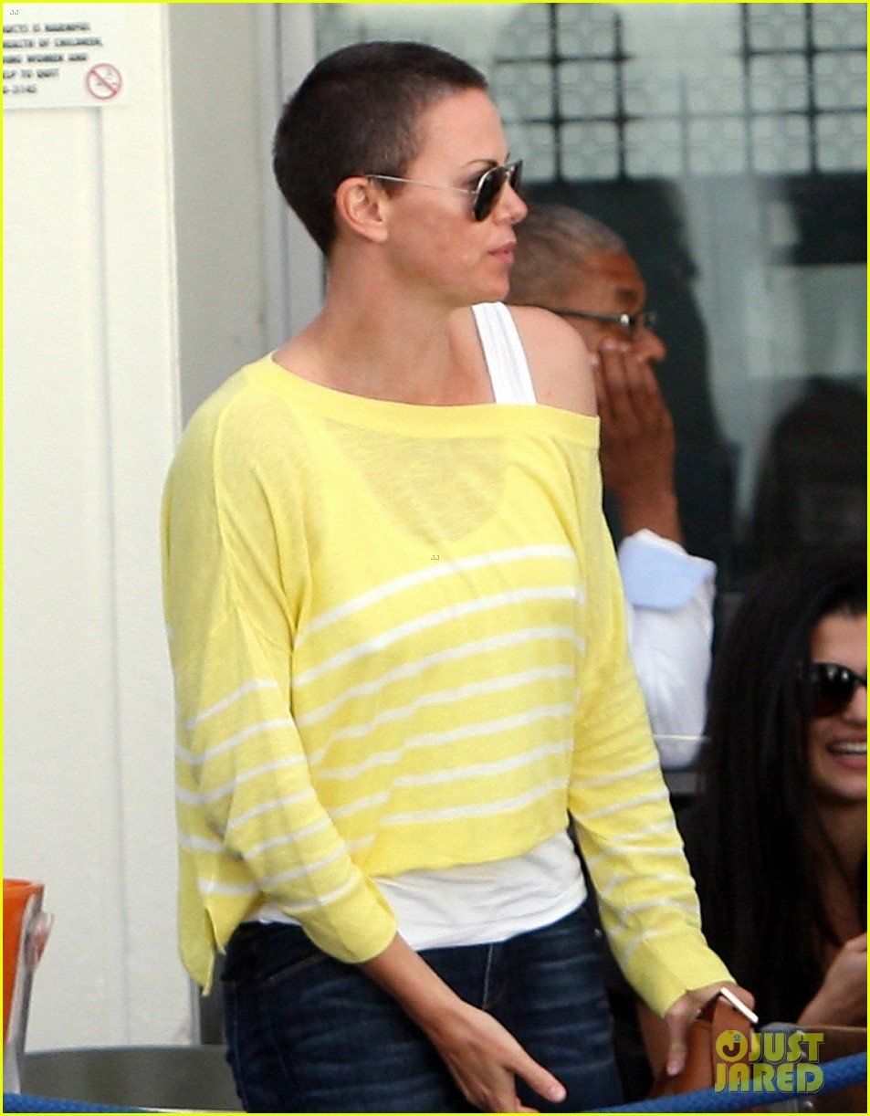 charlize theron shaved head in south africa 042760668