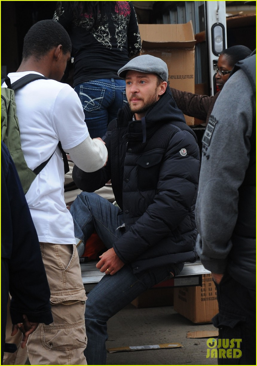 justin timberlake jessica biel hurricane sandy relief workers 07