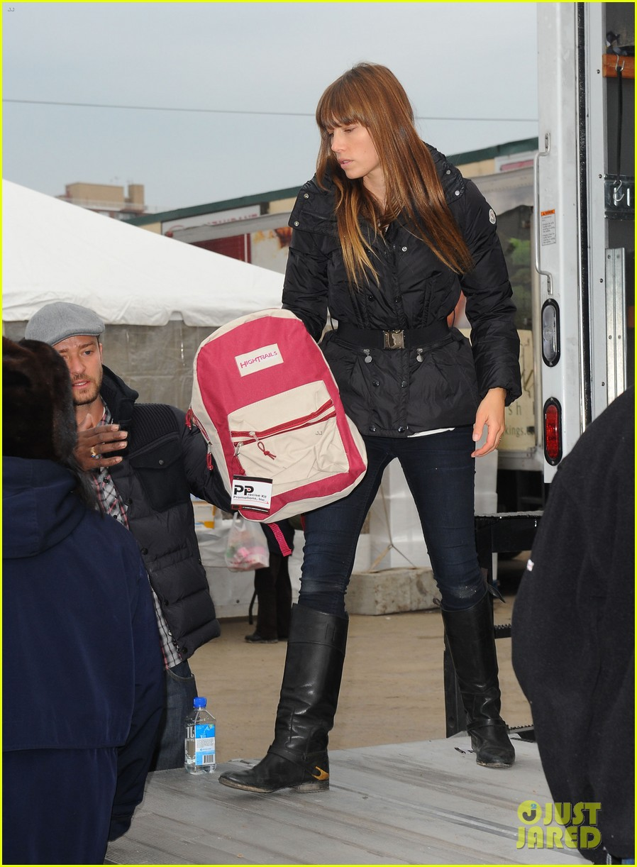 justin timberlake jessica biel hurricane sandy relief workers 122755004