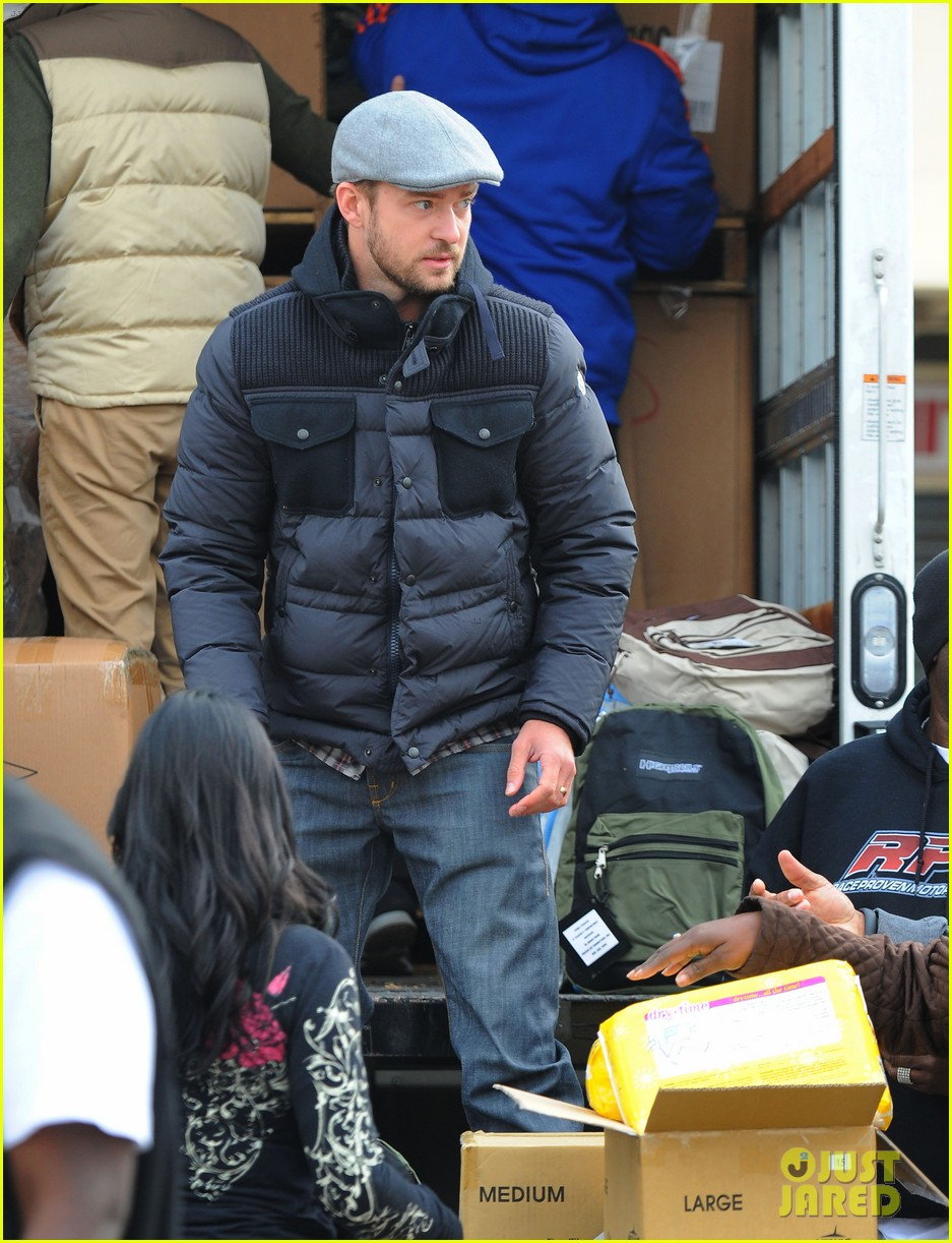justin timberlake jessica biel hurricane sandy relief workers 152755007