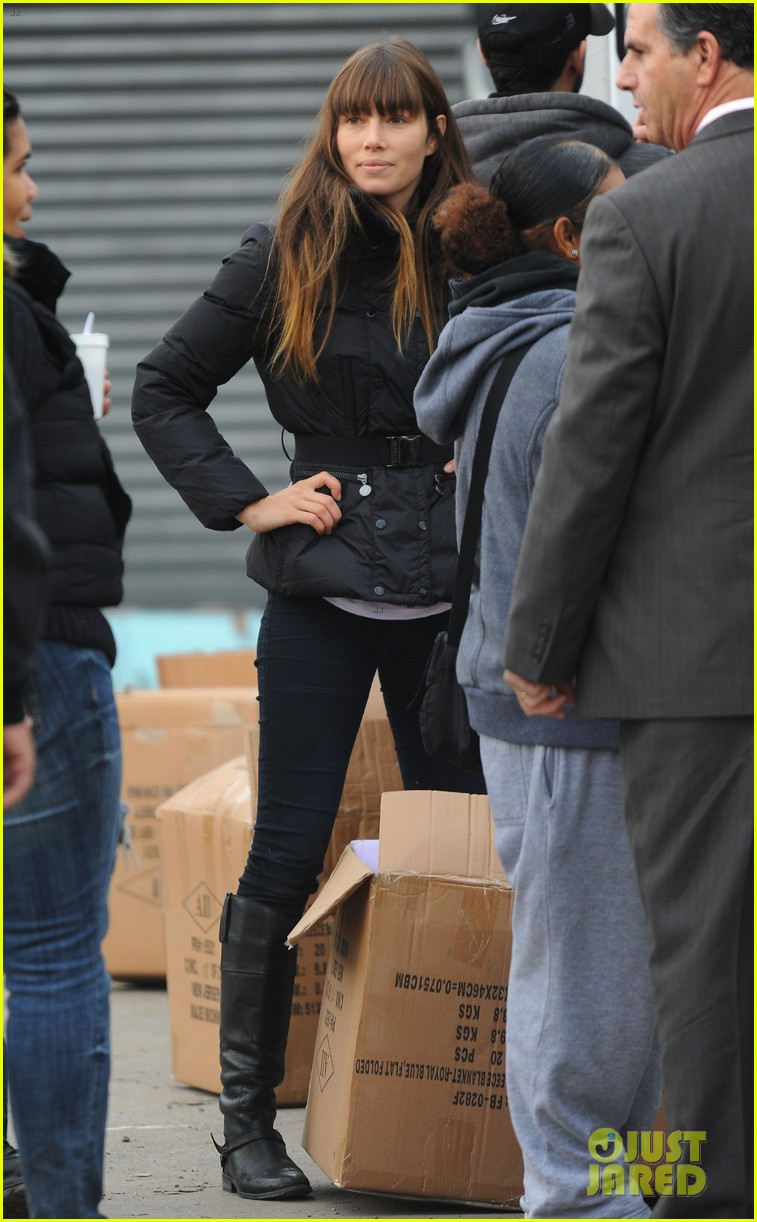 justin timberlake jessica biel hurricane sandy relief workers 232755015