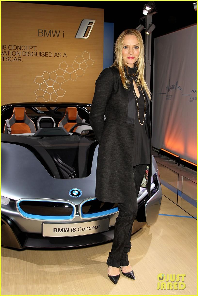 uma thurman bmw i8 concept roadster unveiling 032756332