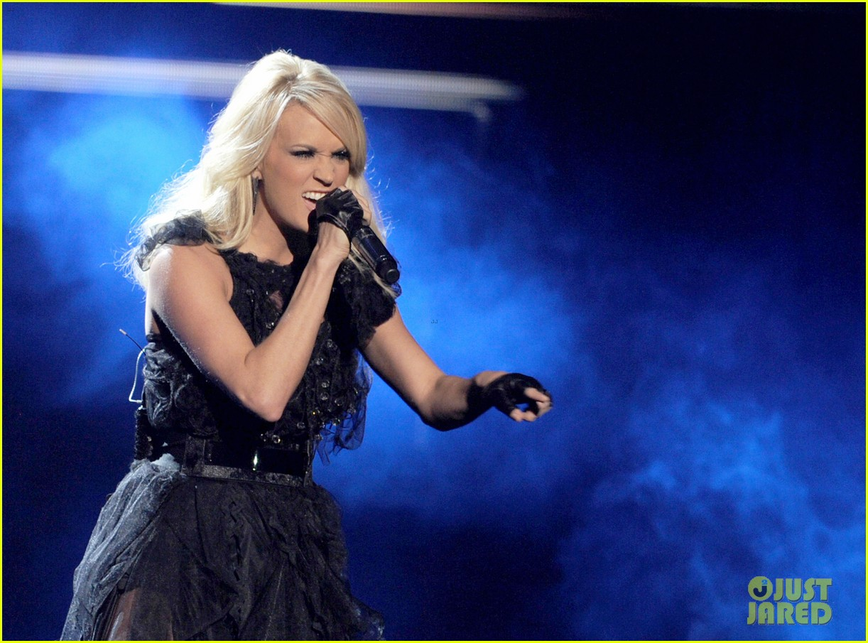 carrie underwood amas performance 042760424