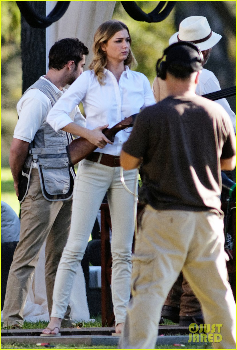 emily vancamp shoots rifle on revenge set 172749162