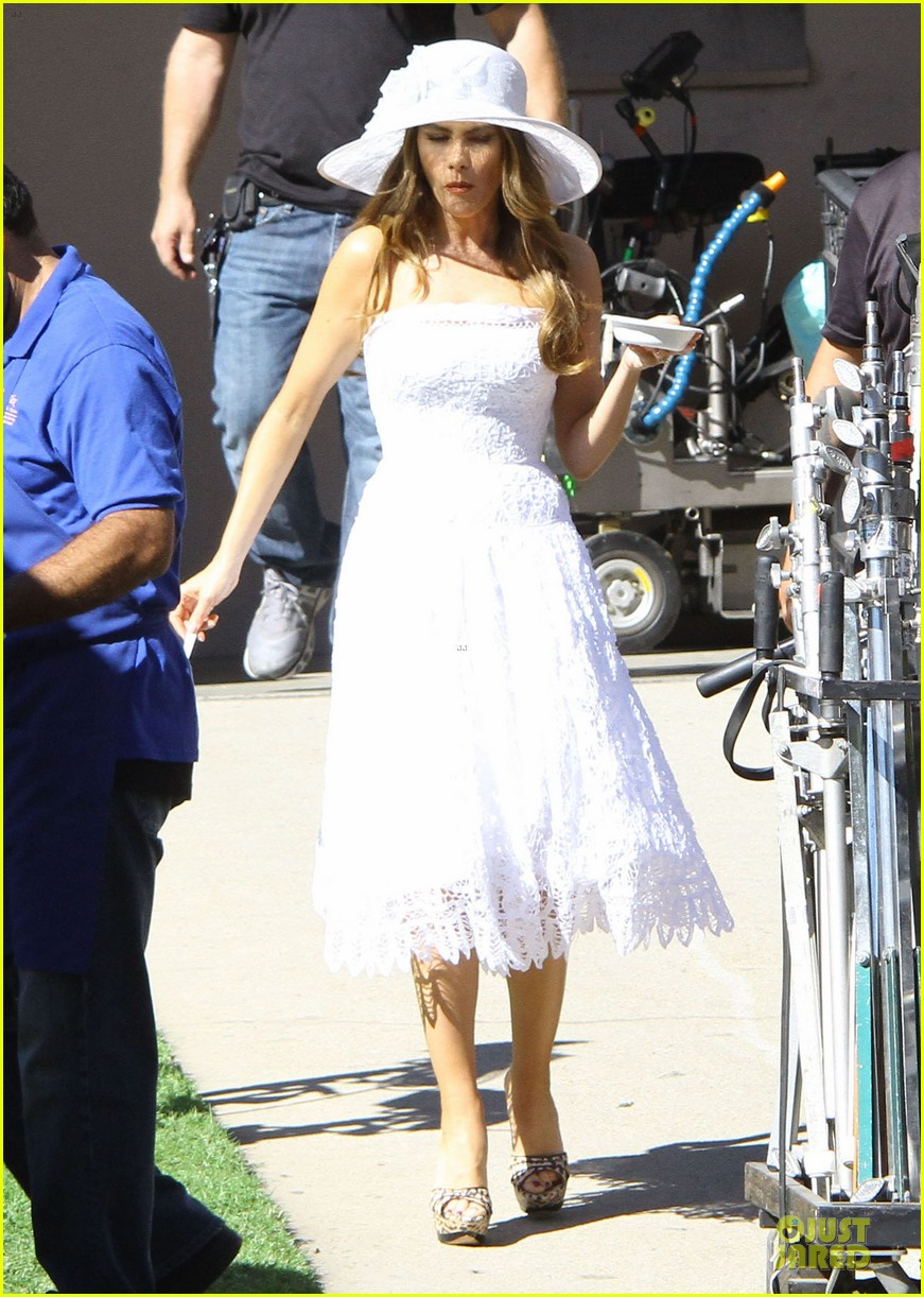sofia vergara modern family cookie break 162752226