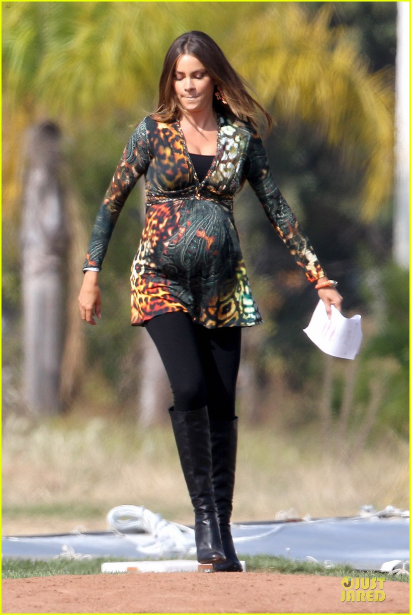 sofia vergara st jude thanks and giving campaign supporter 122750365