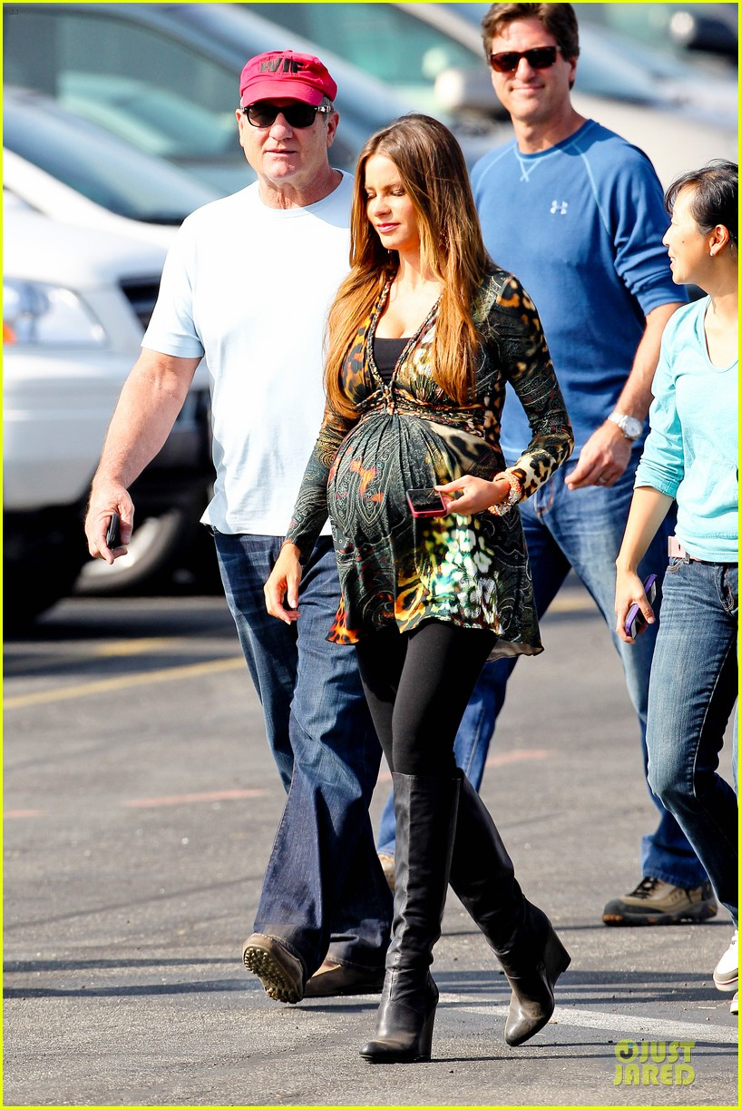sofia vergara st jude thanks and giving campaign supporter 182750371