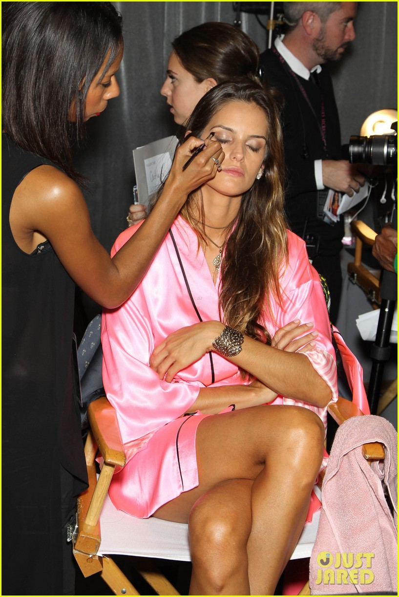 miranda kerr erin heatherton victorias secret fashion show backstage pics 302752675