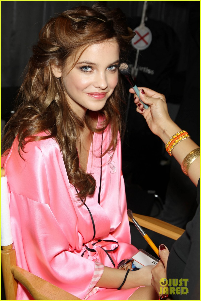 miranda kerr erin heatherton victorias secret fashion show backstage pics 432752688