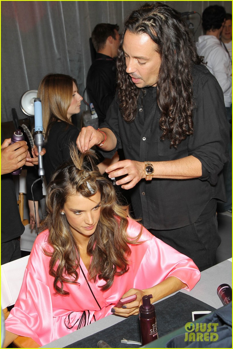 miranda kerr erin heatherton victorias secret fashion show backstage pics 512752696