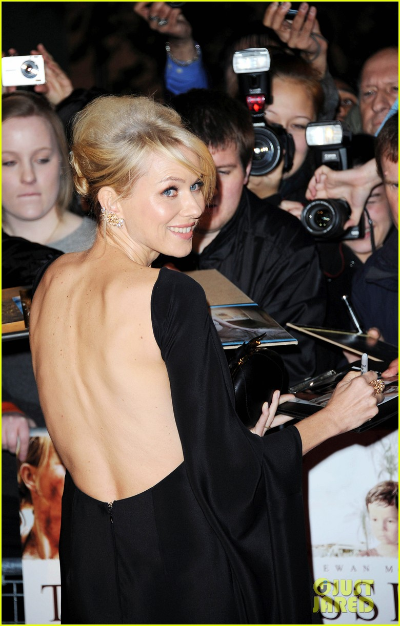 naomi watts backless dress at impossible premiere 022760896