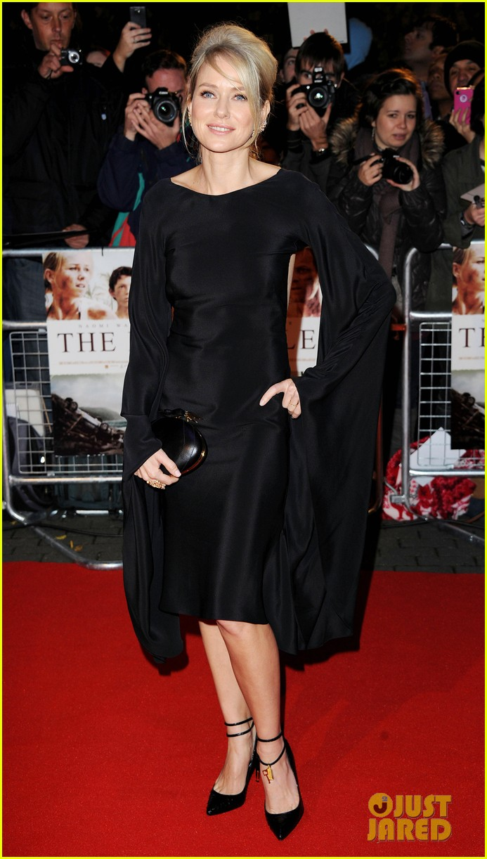 naomi watts backless dress at impossible premiere 032760897