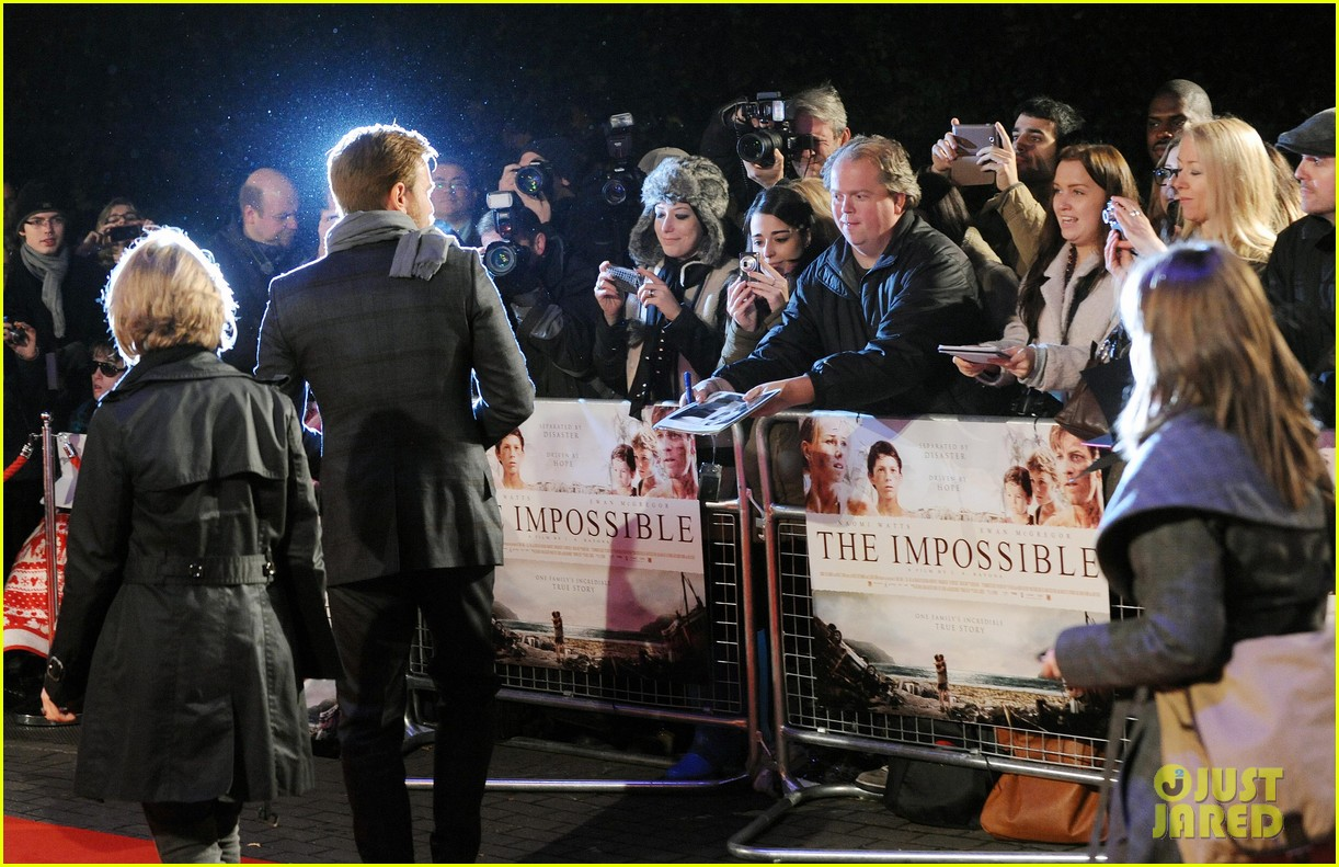 naomi watts backless dress at impossible premiere 142760908