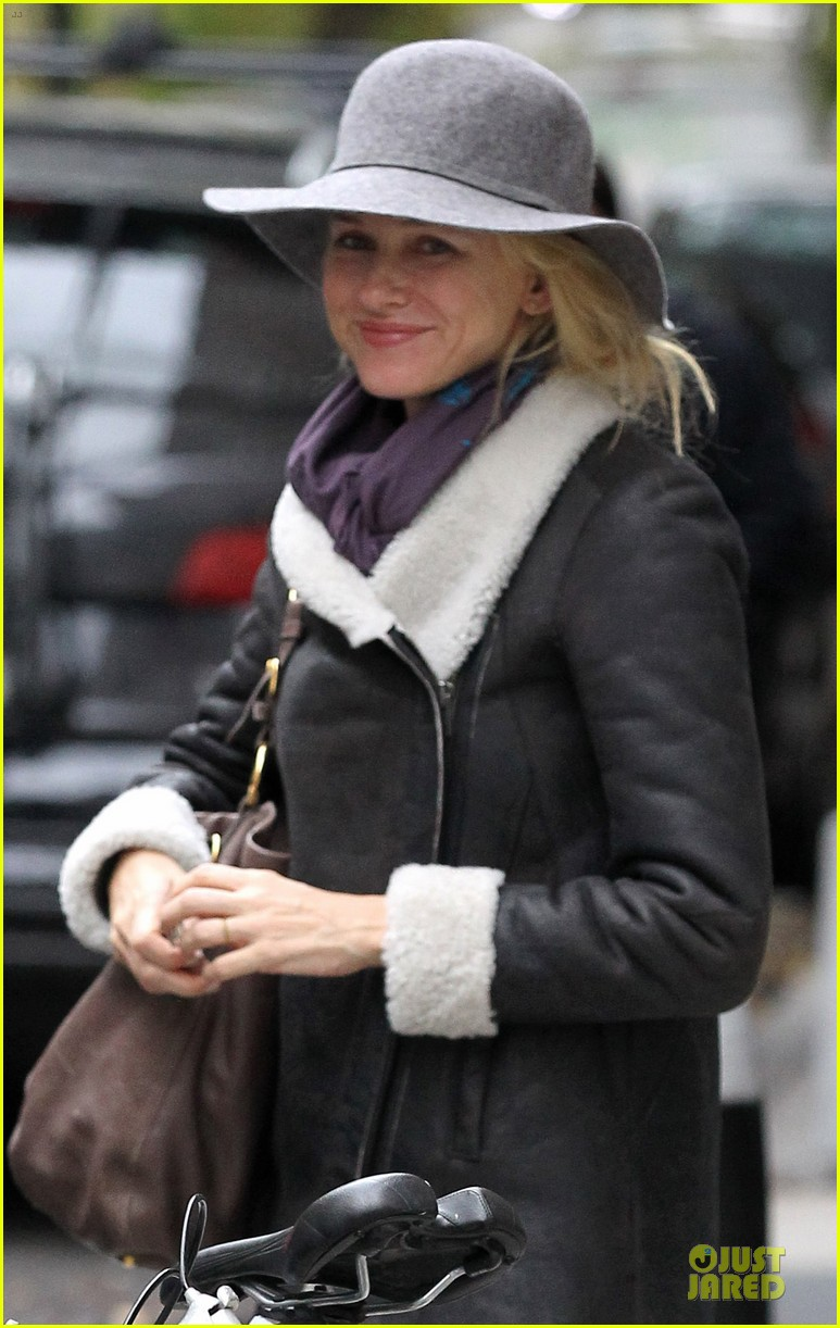 naomi watts queen of the desert adds jude law 02