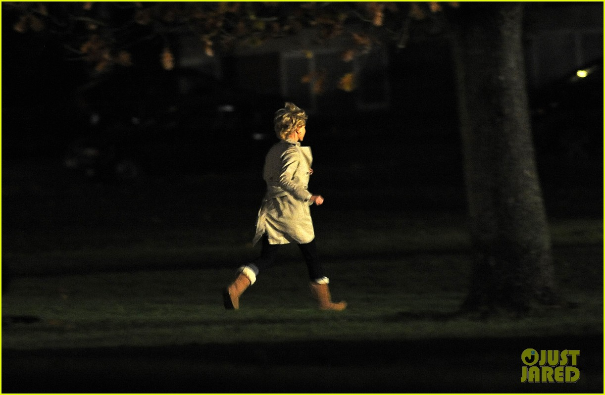 naomi watts on set of princess diana biopic 102753176