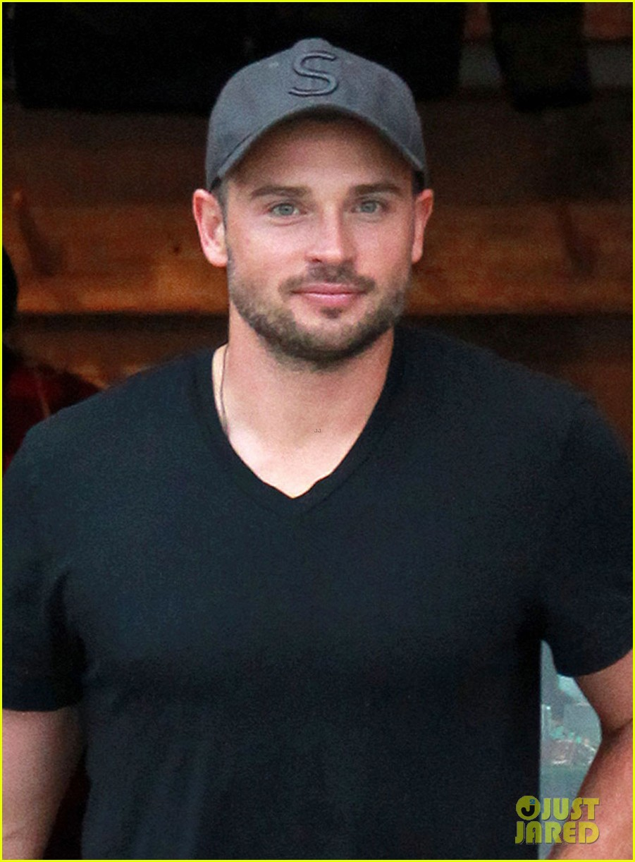 tom welling short buzz cut at rrl ralph lauren store 022766340