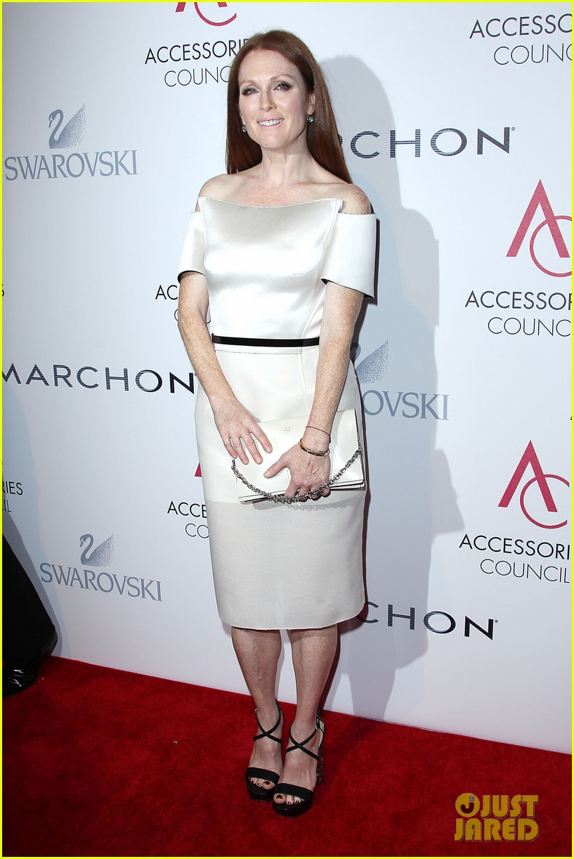 olivia wilde julianne moore ace awards new york city 012751666