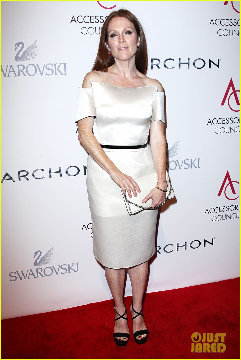 olivia wilde julianne moore ace awards new york city 29