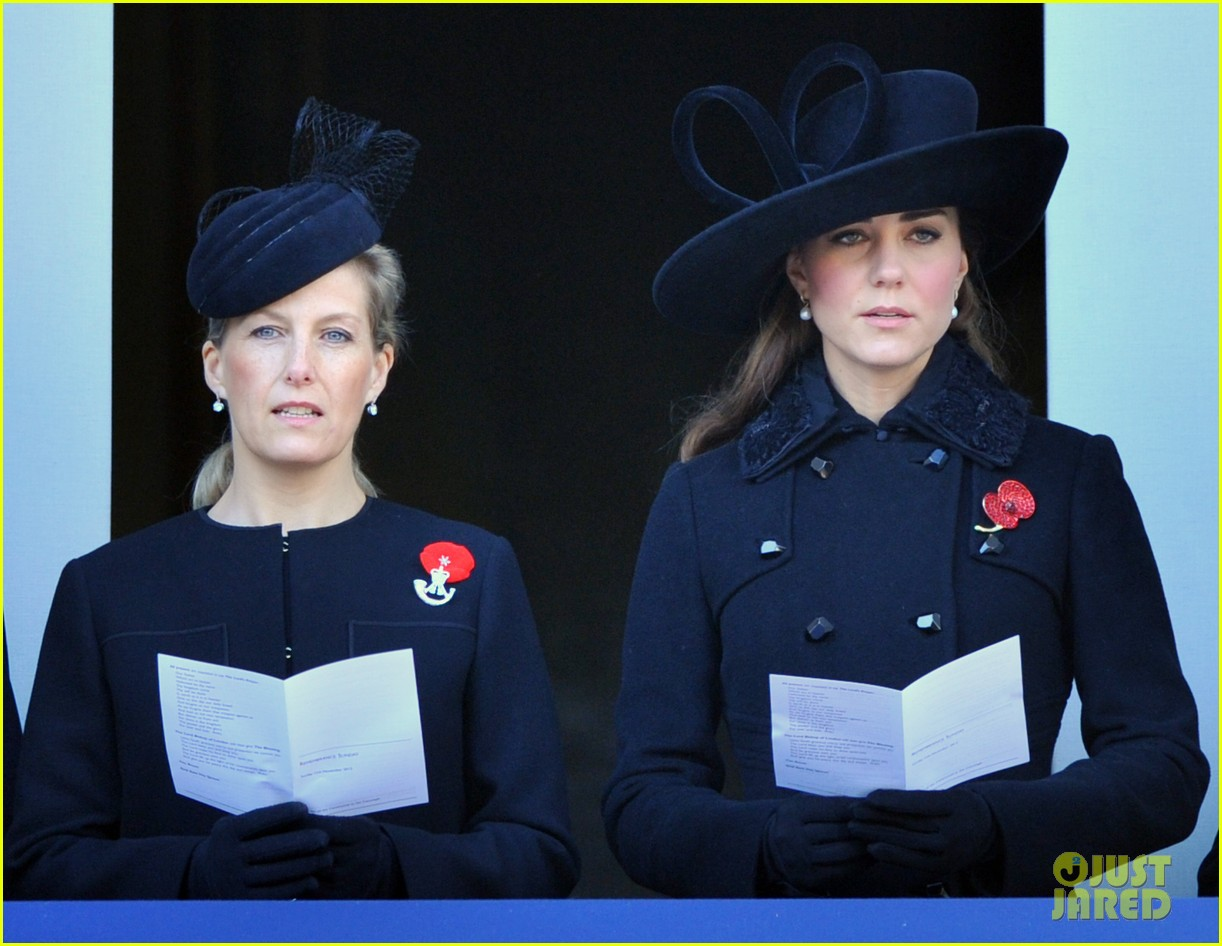 prince william duchess kate remembrance sunday observations 102755273