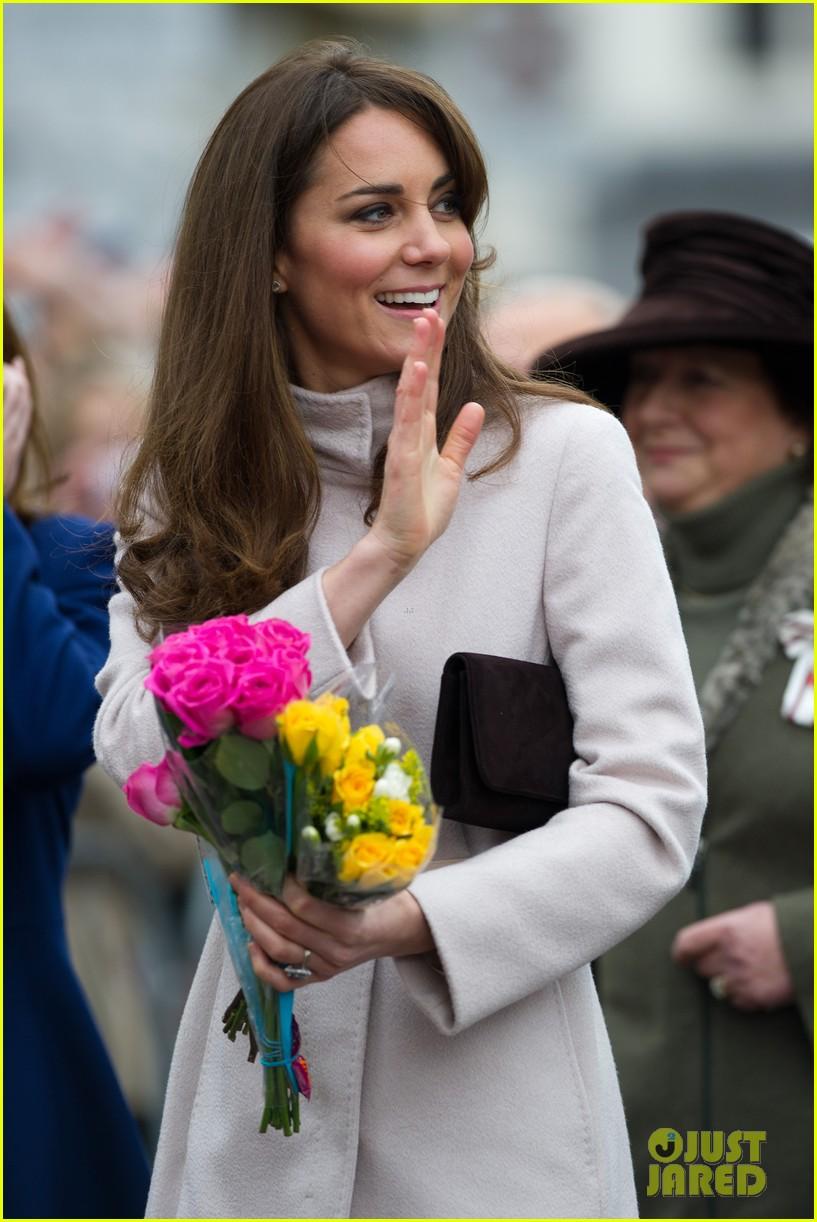 prince william duchess kate cambridge senate house visit 042765125