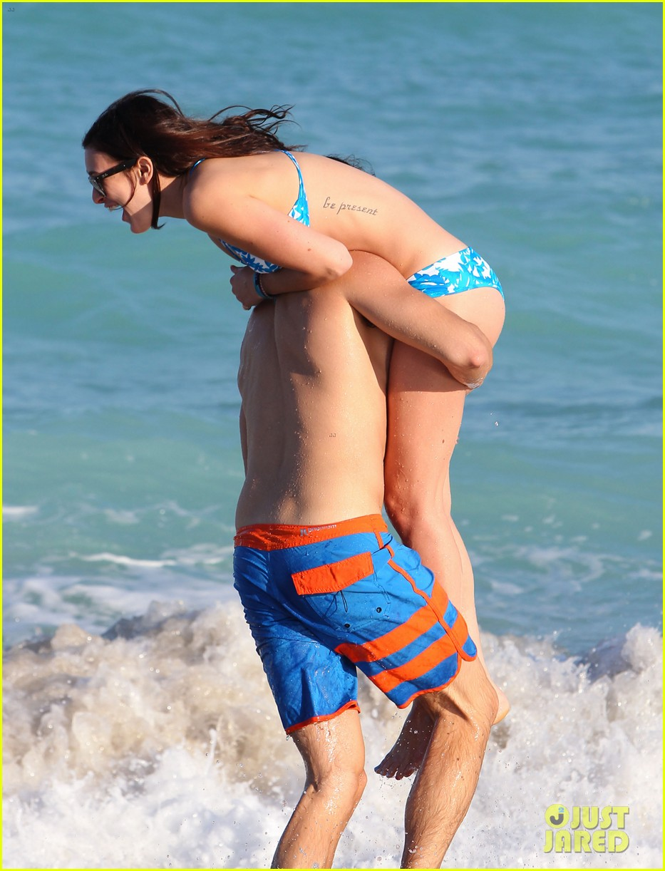 rumer willis jayson blair miami beach besos 27