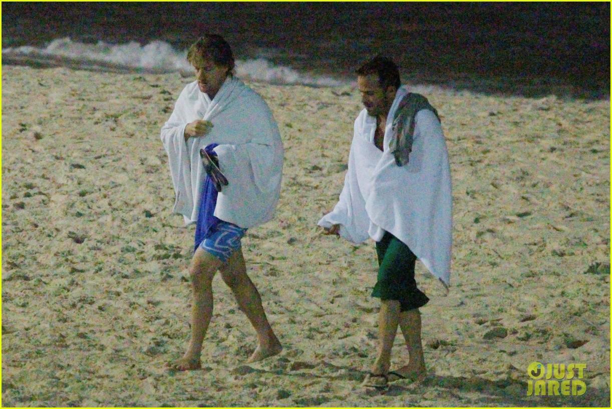 owen wilson stephen dorff shirtless beach buddies 182766641
