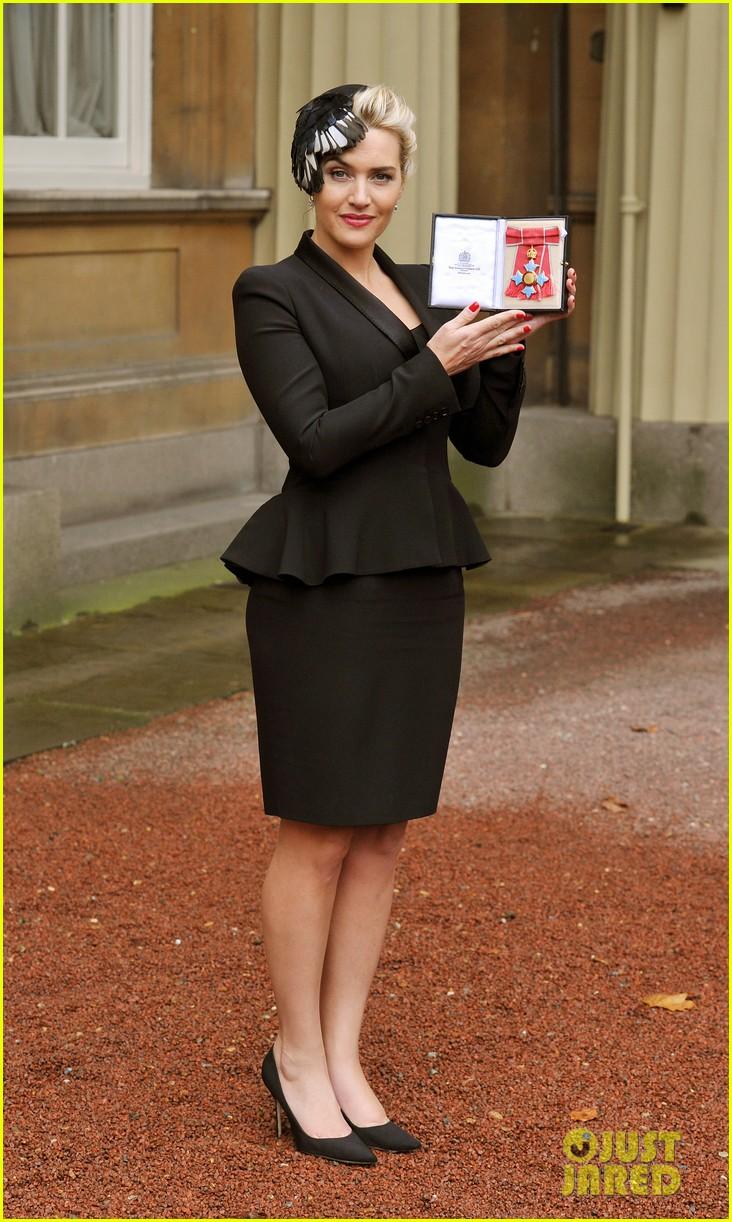 kate winslet receives cbe drama award at buckingham palace 062762052