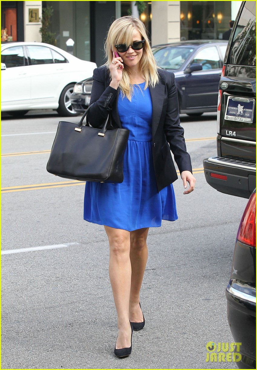 reese witherspoon talks gone girl film adaptation 052765607