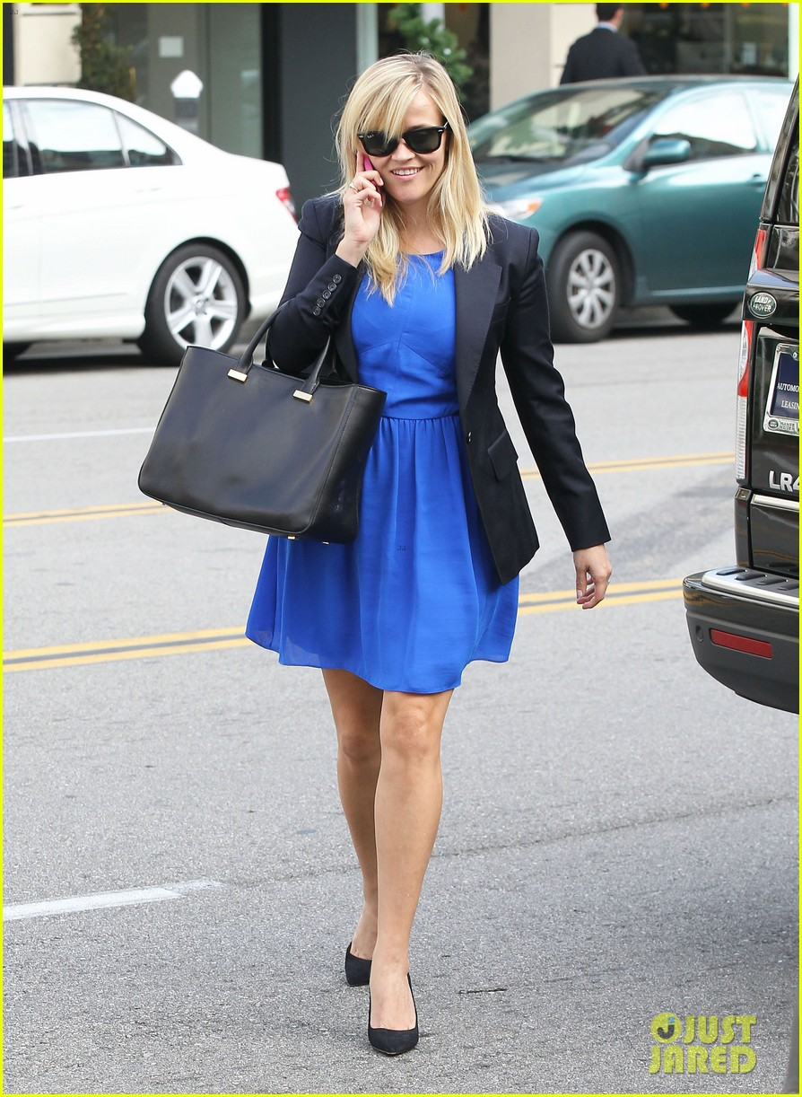 reese witherspoon talks gone girl film adaptation 072765609