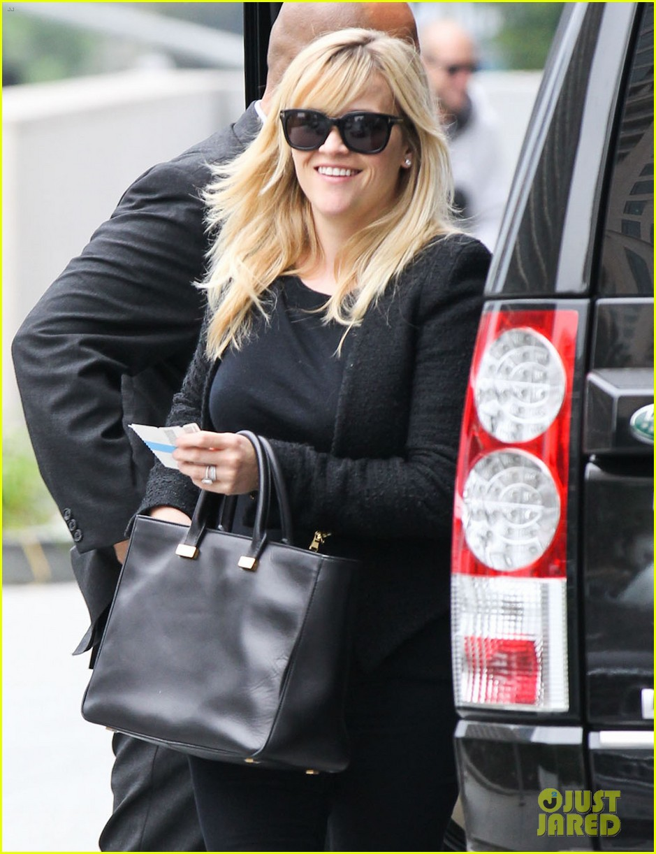 reese witherspoon afternoon business meeting 022758659