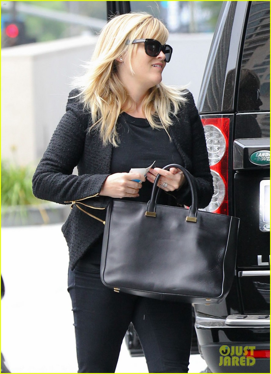 reese witherspoon afternoon business meeting 042758661