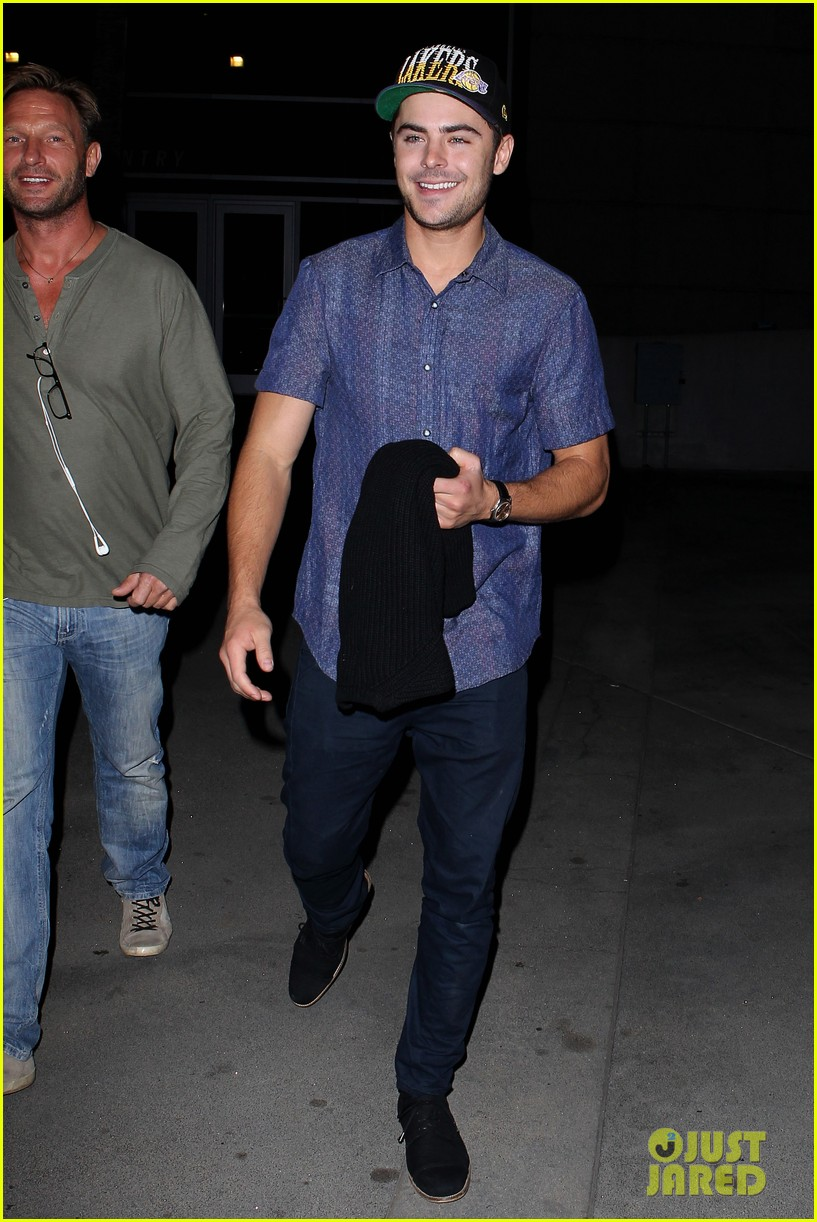 zac efron loves the lakers 012757273