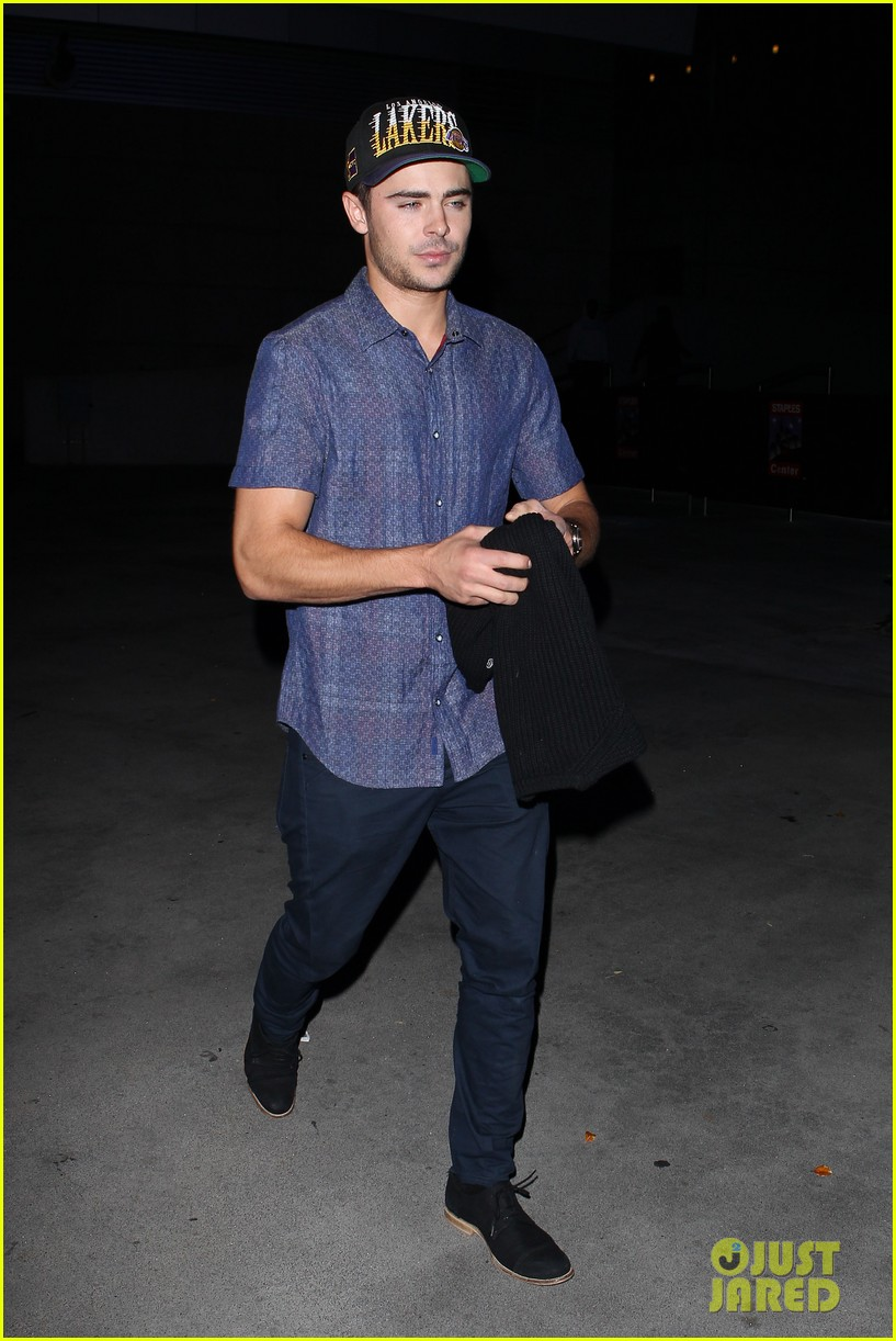 zac efron loves the lakers 052757277