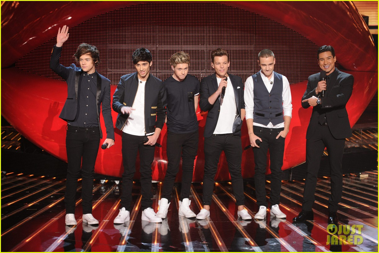 one direction performs kiss you on x factor finale 032778989