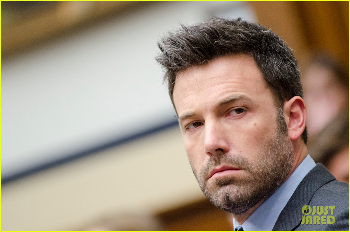 ben affleck drops out of focus with kristen stewart 192778376