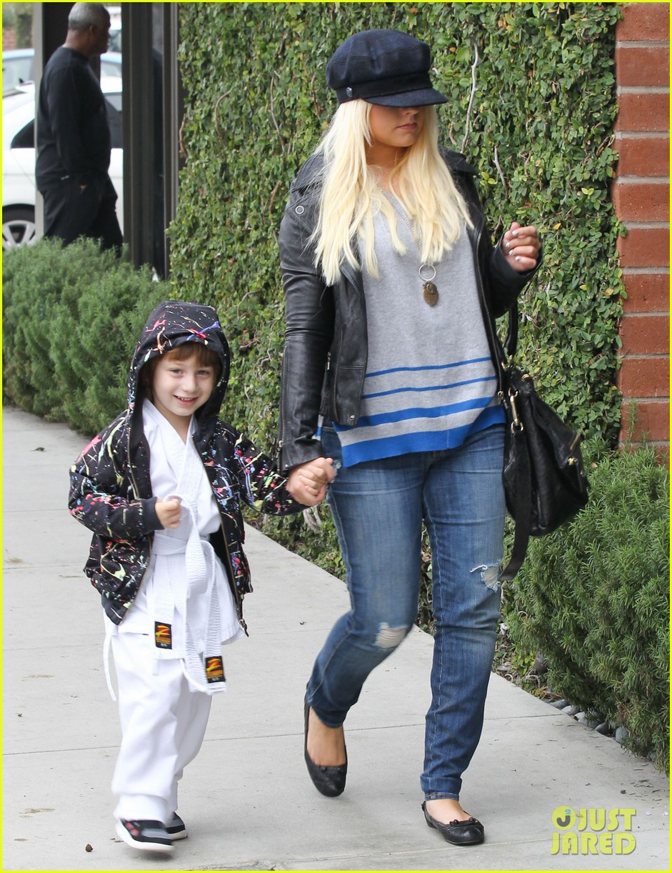 christina aguilera houstons lunch with karate boy max 012772032