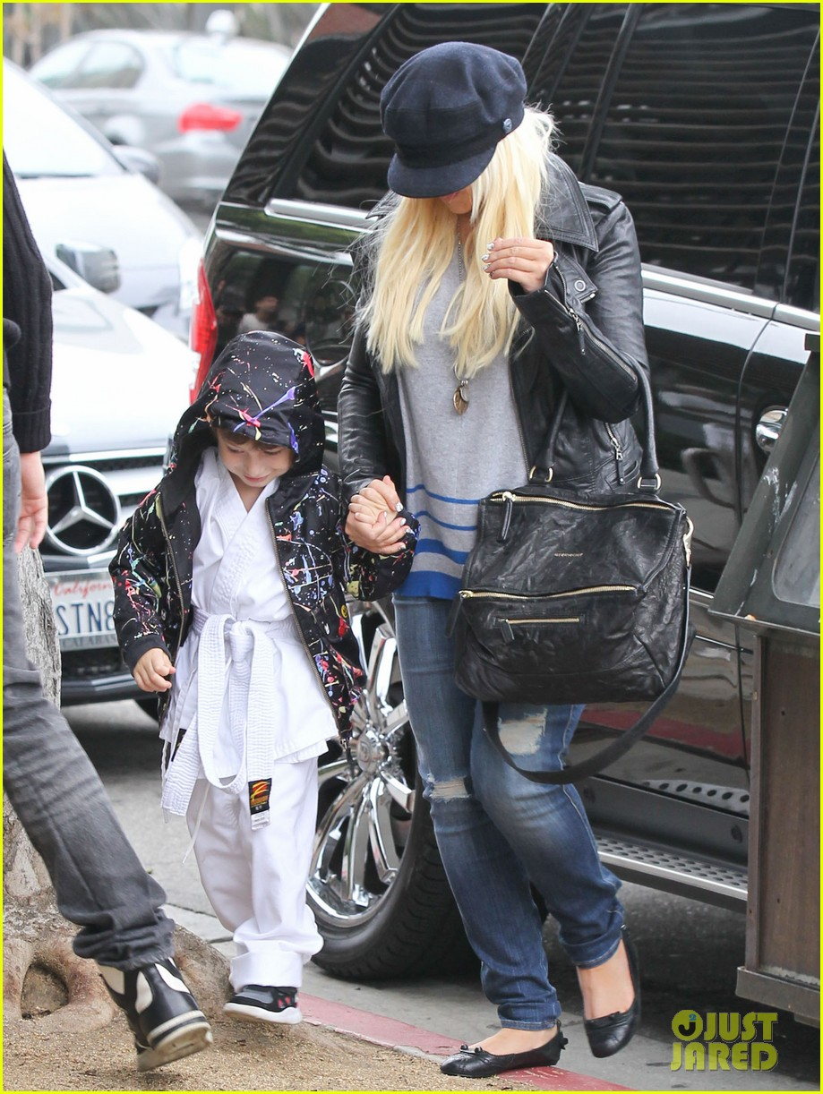 christina aguilera houstons lunch with karate boy max 072772038