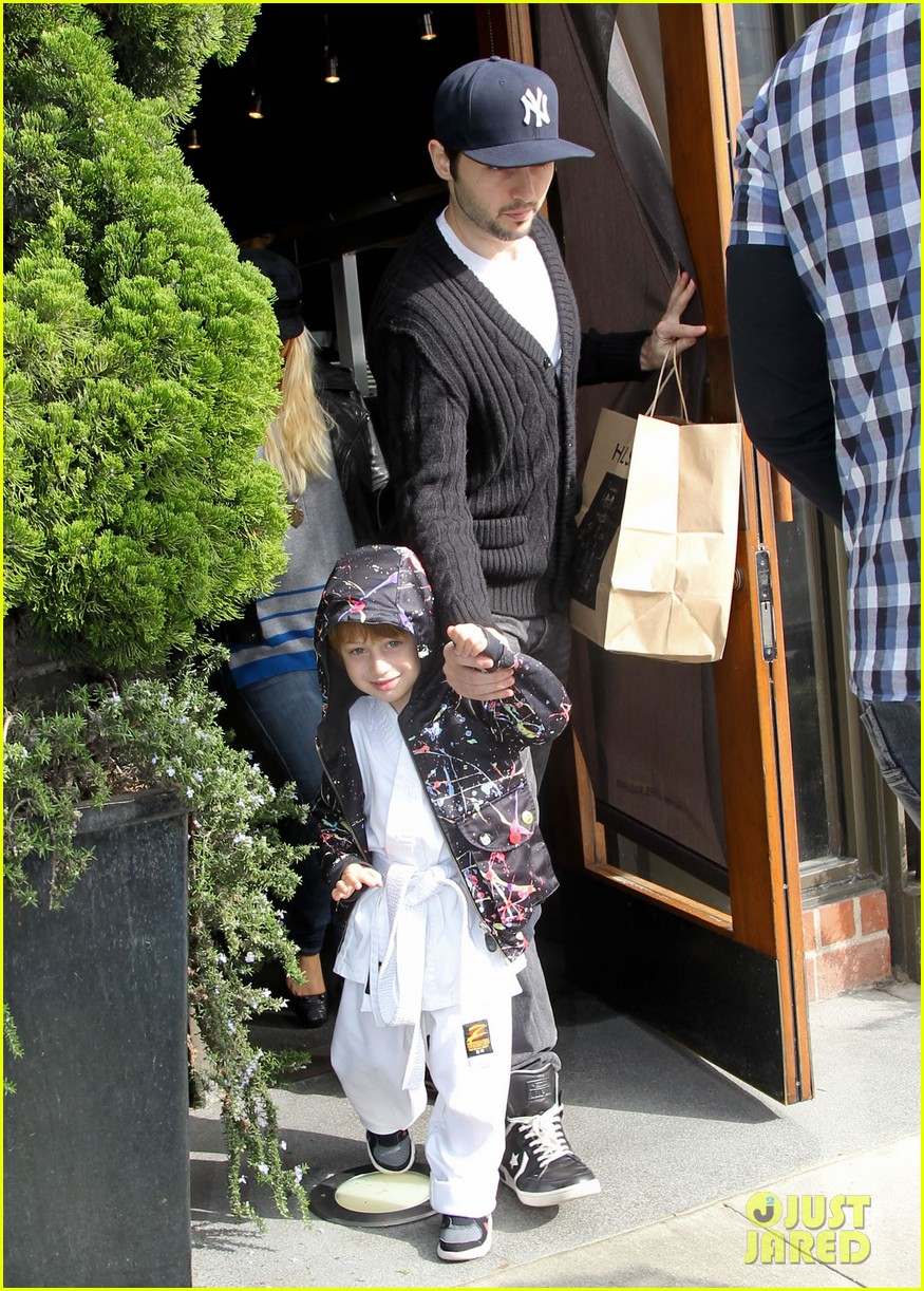 christina aguilera houstons lunch with karate boy max 102772041