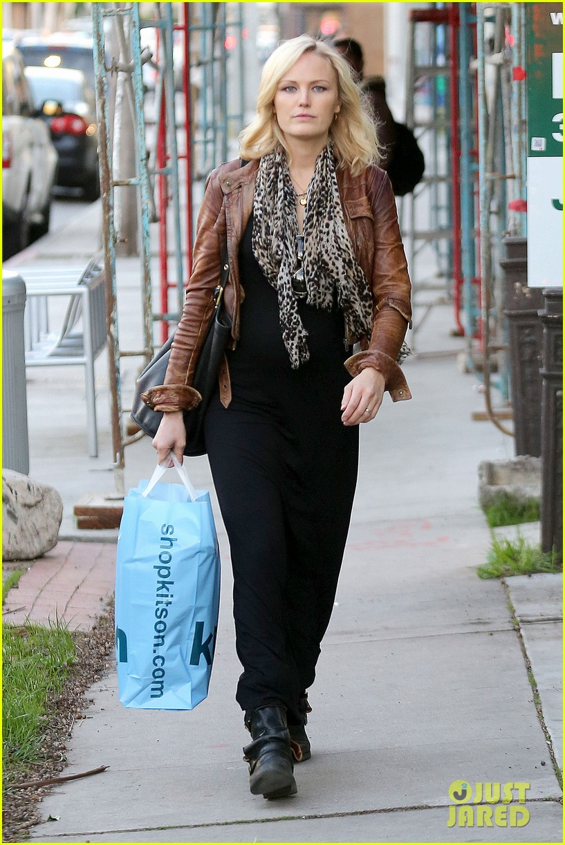 malin akerman kitson christmas shopper 042779230