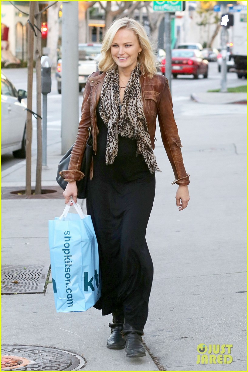 malin akerman kitson christmas shopper 062779233