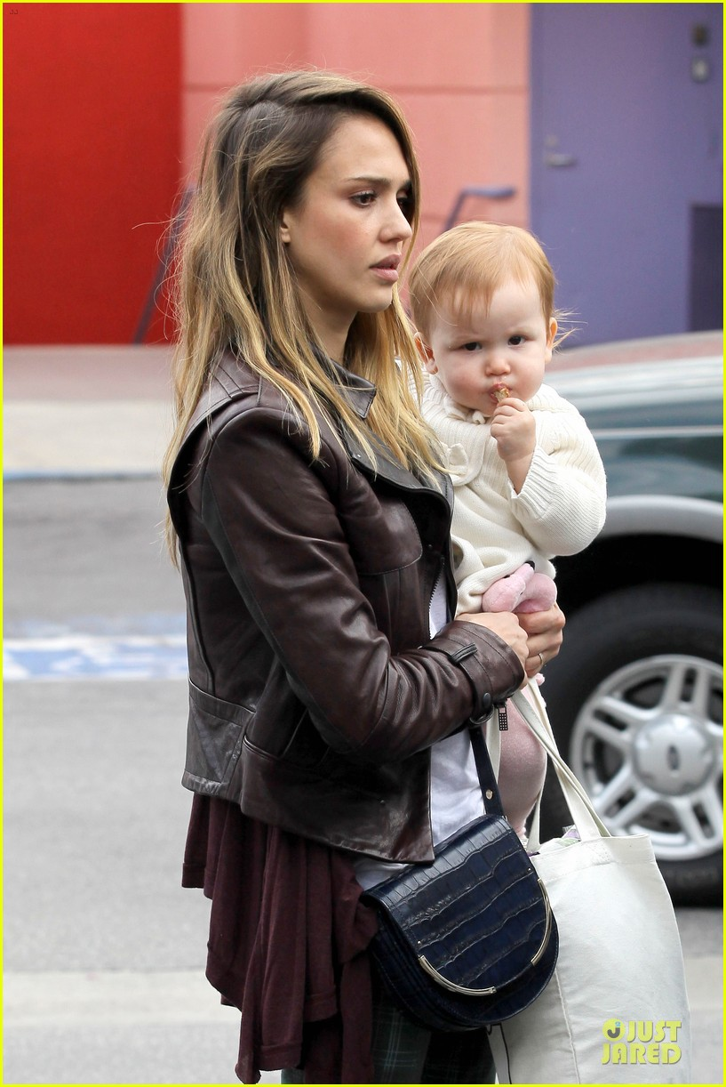 jessica alba & haven last minute holiday shopping with mother catherine 142780222