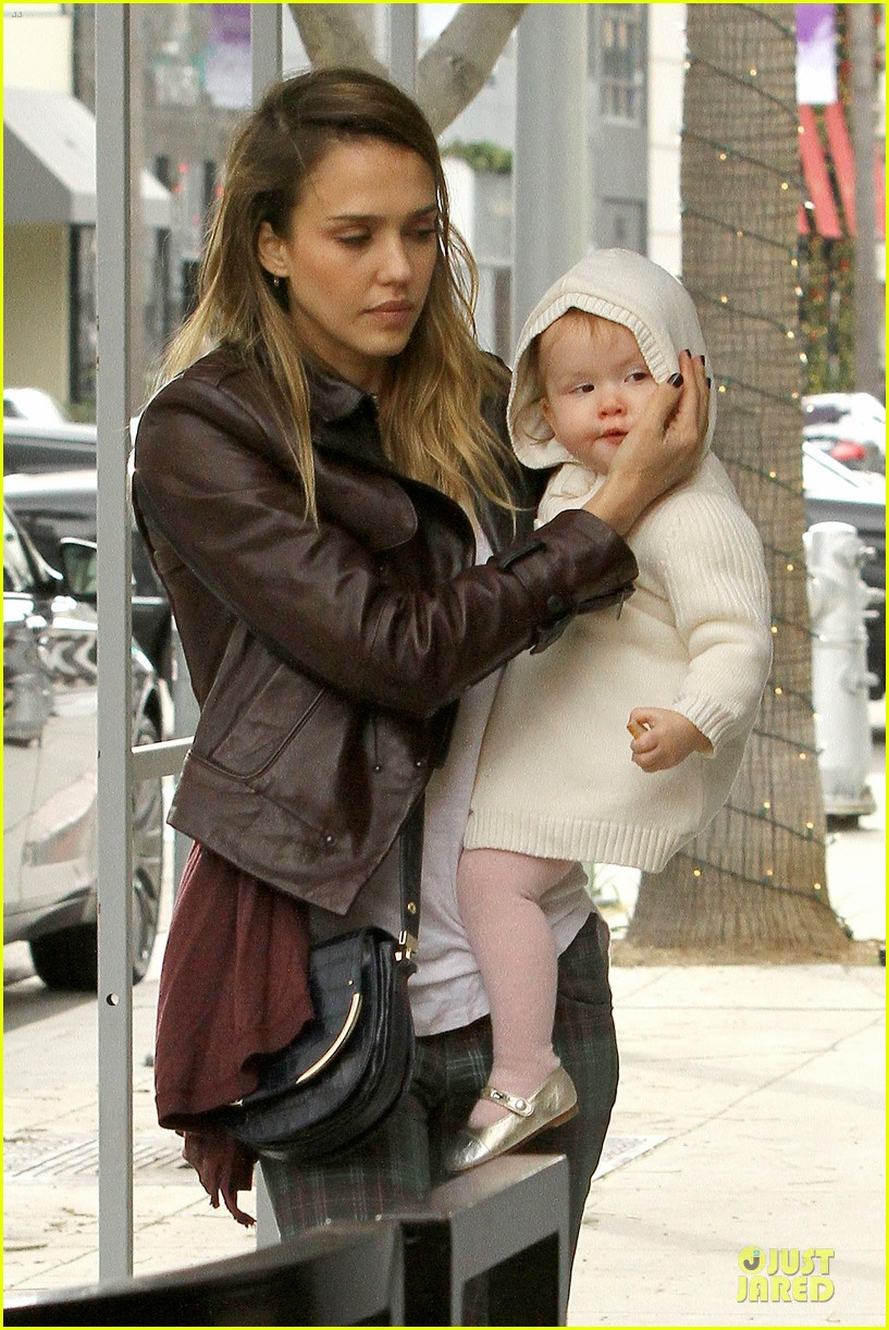 jessica alba & haven last minute holiday shopping with mother catherine 222780230