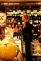 jessica alba whole foods shopper 05
