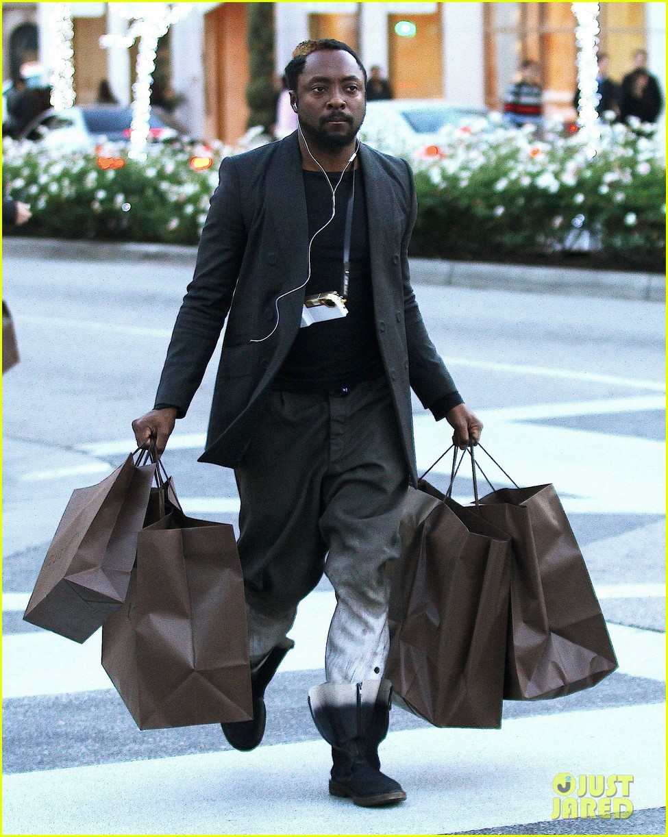 will i am louis vuitton christmas 01