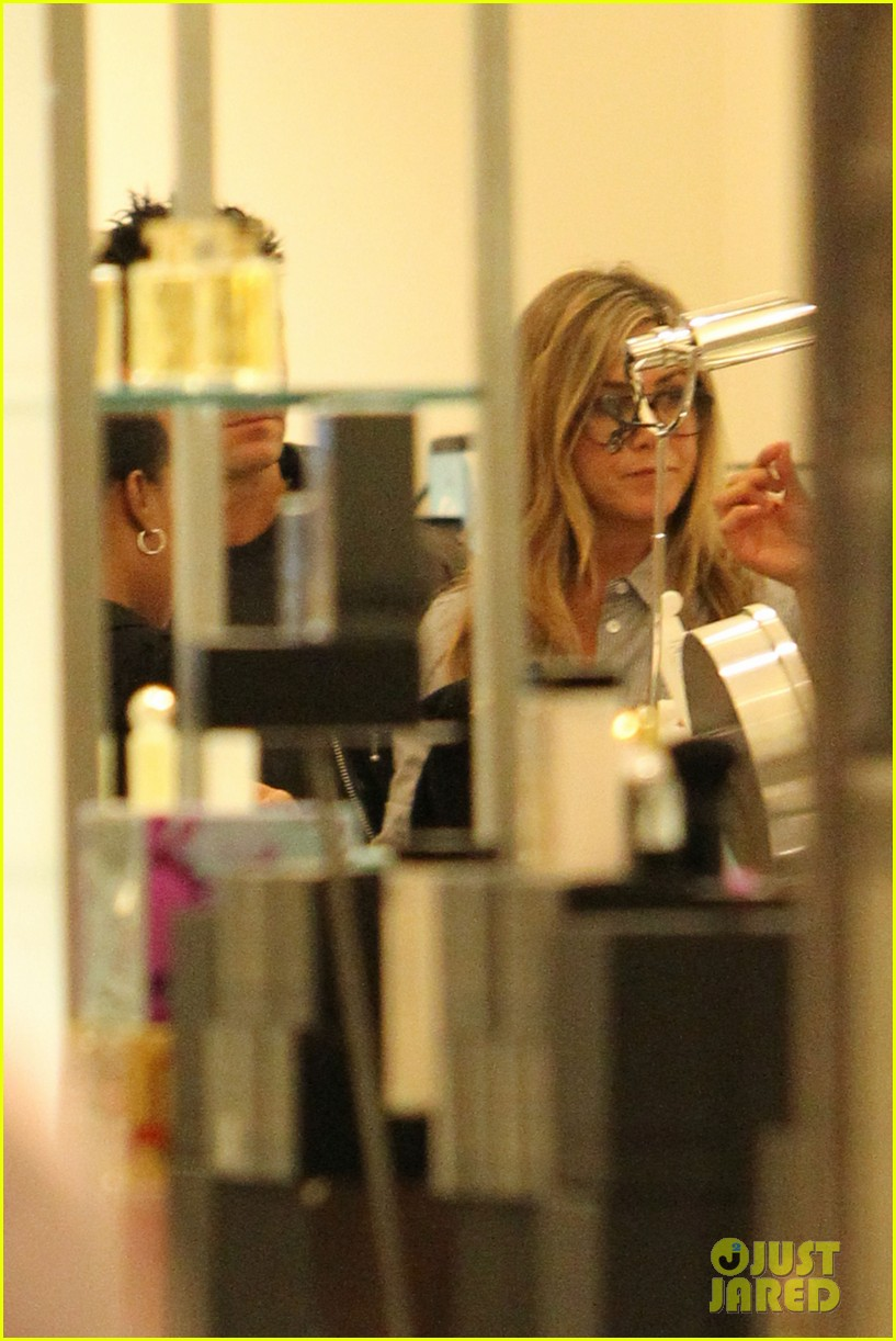 jennifer aniston justin theroux barneys new york shoppers 102772109