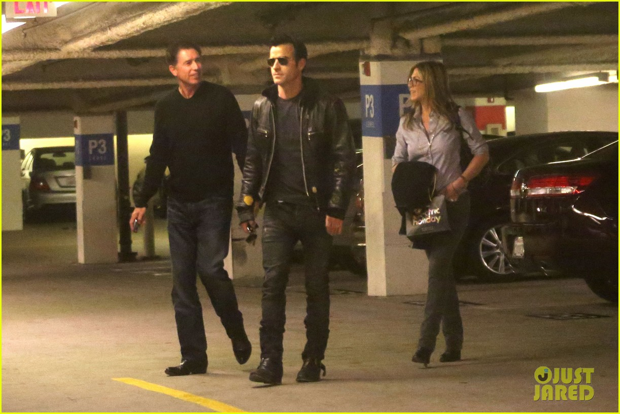 jennifer aniston justin theroux barneys new york shoppers 222772121