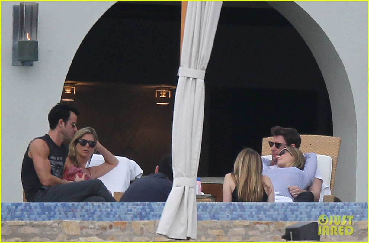 jennifer aniston couples vacation with emily blunt jimmy kimmel 012781518