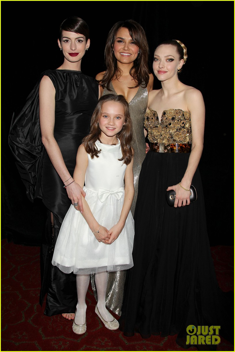 anne hathaway les miserables new york premiere 042773259